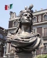 Bust_of_Cuauhtémoc_(Zócalo,_Mexico_City)-s