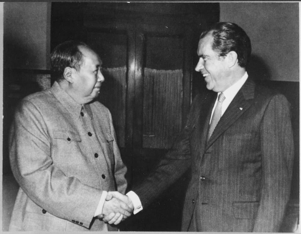 Mao-Zedong-and-President-Nixon