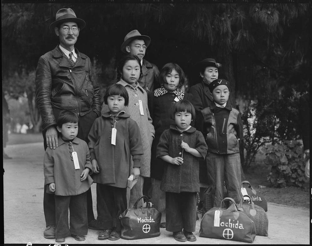 Photograph_of_Members_of_the_Mochida_Family_Awaiting_Evacuation_-_NARA