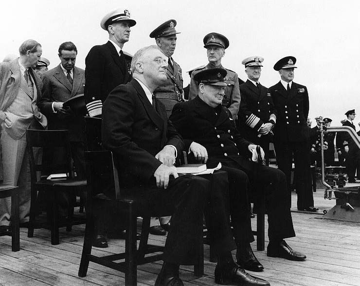 Roosevelt-and-Churchill-aboard-ship