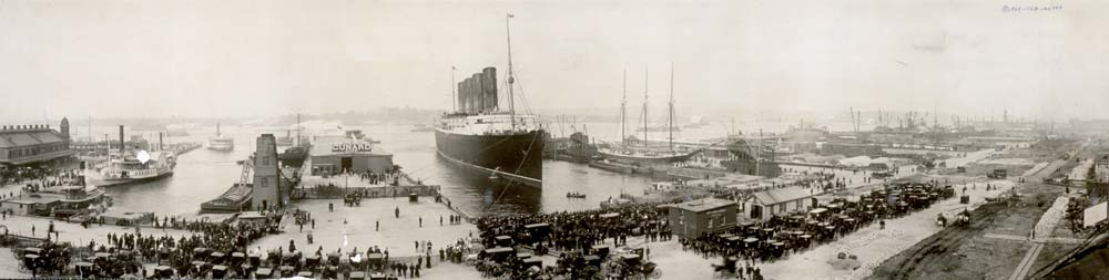 The_Lusitania_at_end_of_record_voyage_1907_LC-USZ62-64956