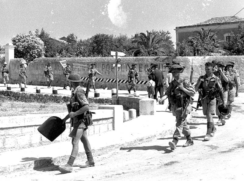 Canadian_troops_in_Sicily