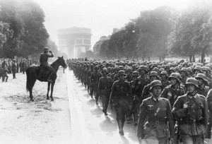 German-Soldiers-March_Paris,_Avenue_Foch,_Siegesparade