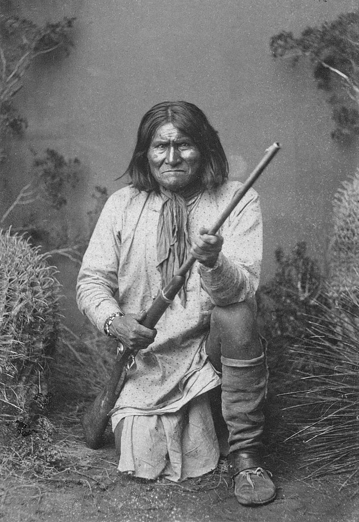 a biography of geronimo Geronimo geronimo, or goyathlay (one who yawns), was born in 1829 in what is today western new mexico, but was then still mexican territory mexican soldiers.