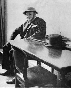 Churchill-Helmet